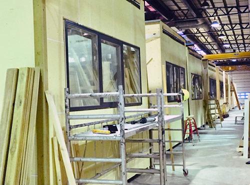 Udformning, størrelse, indretning og materialer skræddersys til dine behov på eget værksted