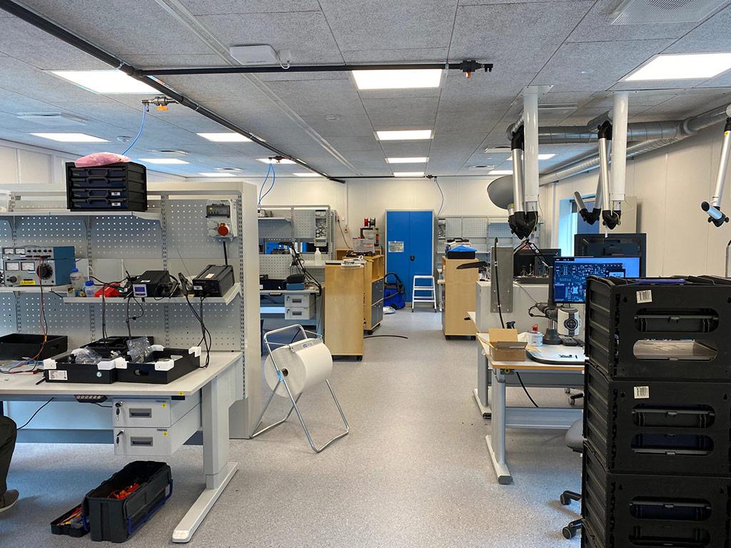 Elektronik produktion indrettet i værkstedspavillon til industrivirksomhed