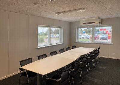 Kontorpavillon med mødelokaler til Danmarks største byggemarked
