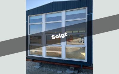 40m² modulbygning med flotte vinduespartier